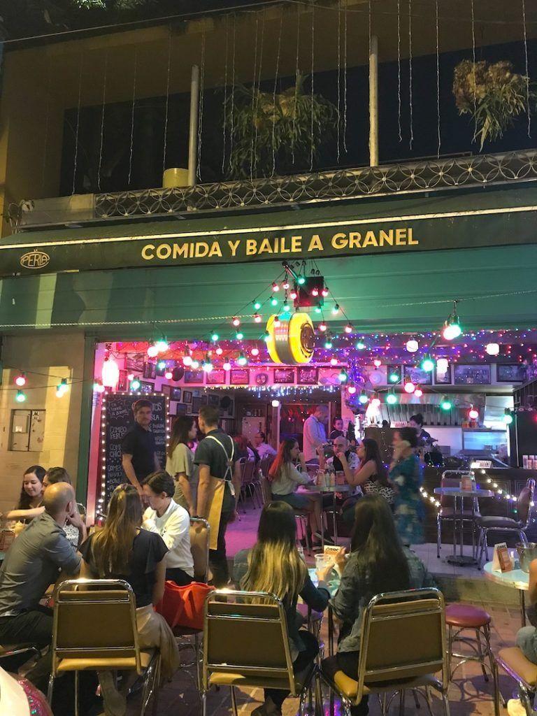 La perla: comida y baile a granel jajaja (Poblado, Medellín)