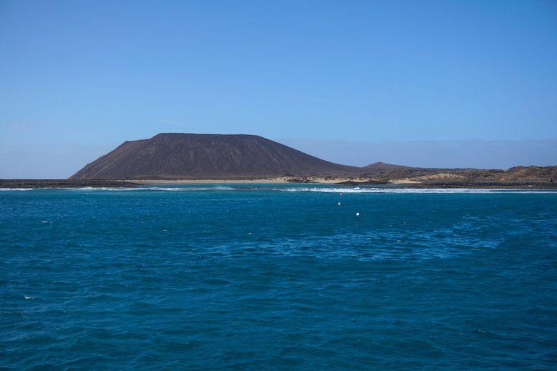 Isla de Lobos desde el barco
