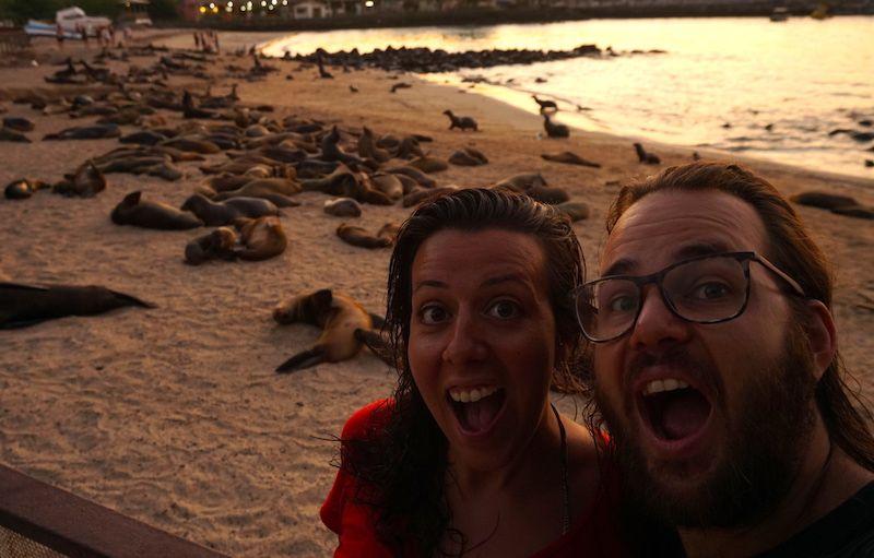 En las islas Galápagos estarás en asombro constante. Estas fueron nuestras caras al llegar.