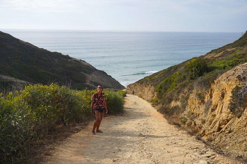 Bajando hacia la playa nudista Adegas. Hasta aquí os enseñamos...