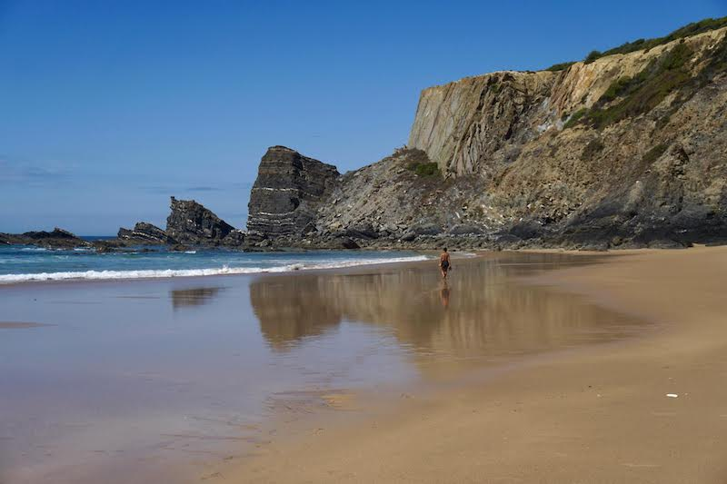 Una playa inmensa (casi) para nosotrxs solxs. Qué lujazo...