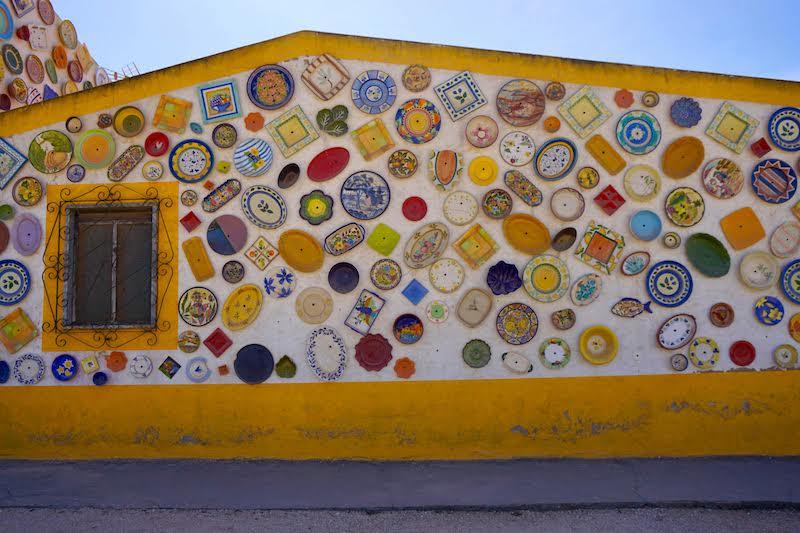 """La fábrica y tienda de cerámica algarvia regentada por mujeres """"Cerámica Paraíso"""": el paraíso de la cerámica, en Vila do Bispo"""