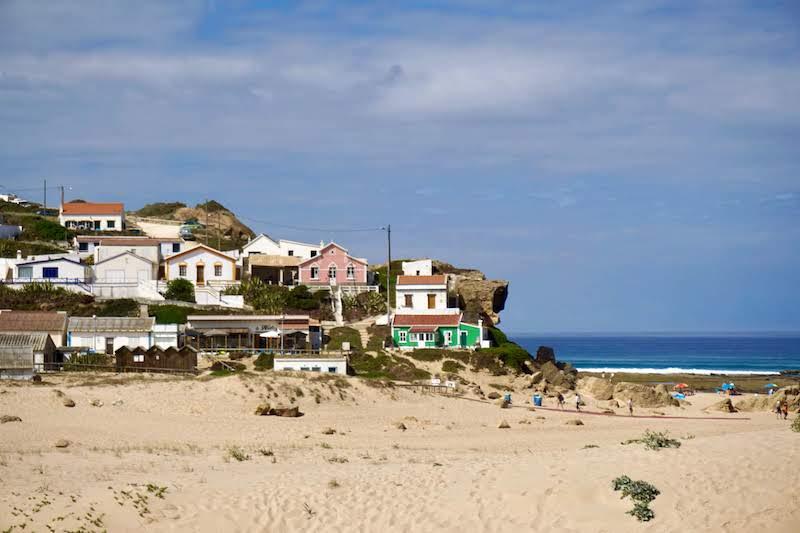 La aldea de pescadores de Monte Clérigo: ¿bellísima, verdad?