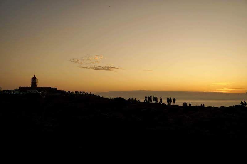 No fuimos las únicas personas con la idea de despedir el sol en la punta más al sur de Portugal, no... Cabo de São Vicente, Sagres